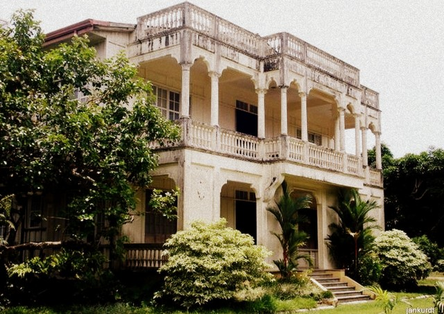 gaston ancestral house