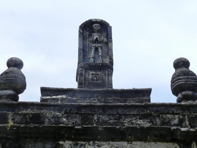 boljoon church cemetery
