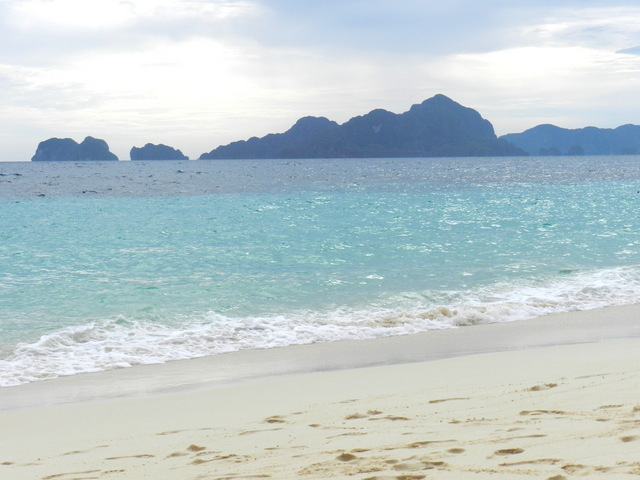 7 commando beach, el nido