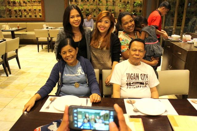 girly's family